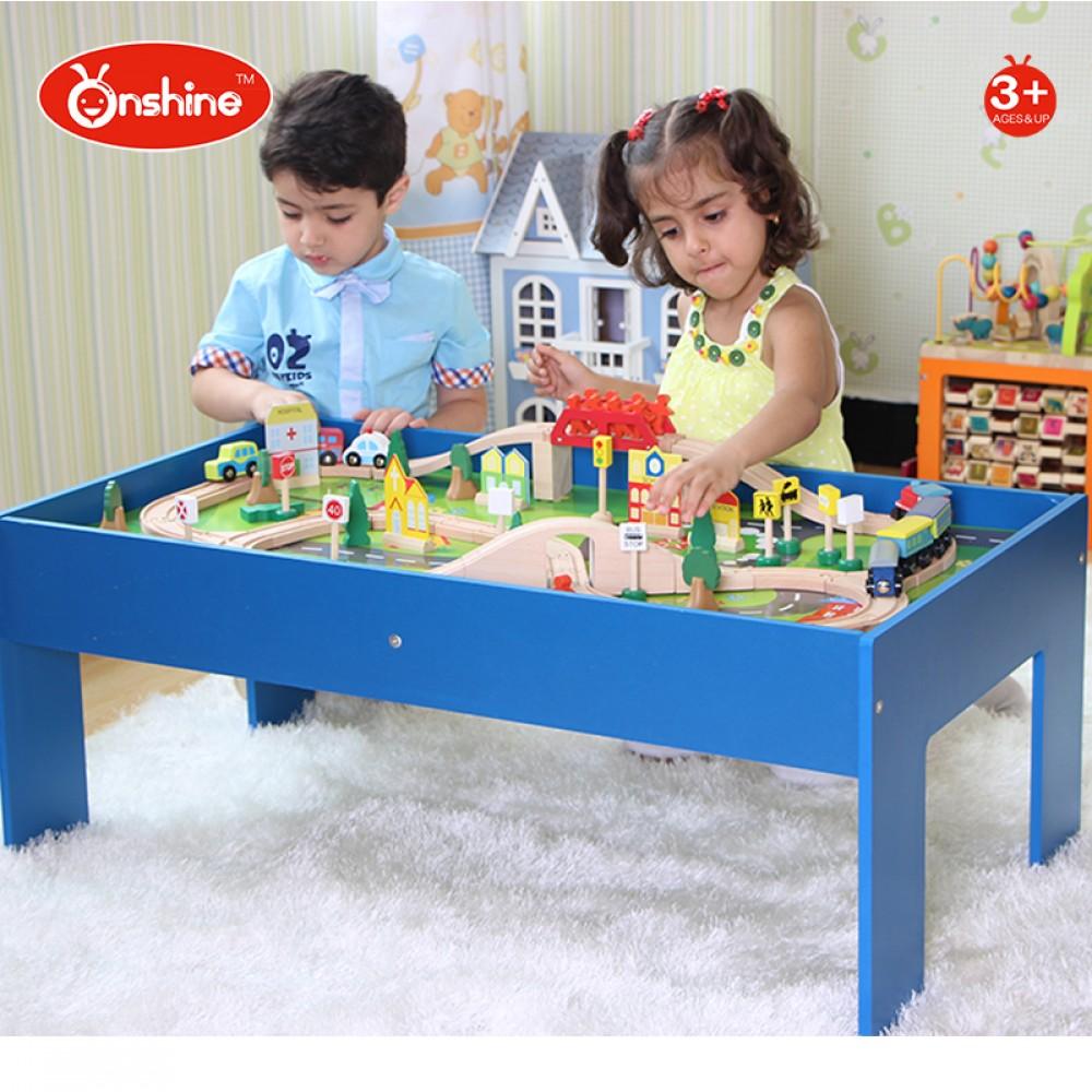 Tren din lemn si masa de joaca cu 90 DE accesorii